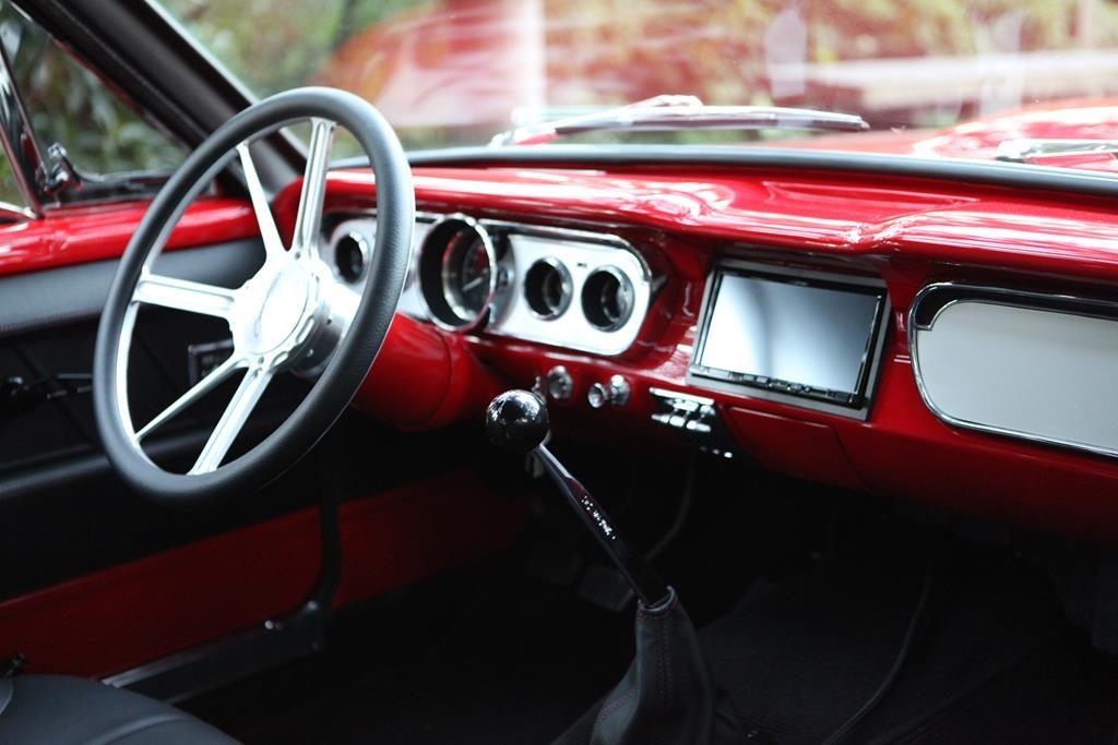budnik steering wheel hurst shifer 65 mustang metalworks