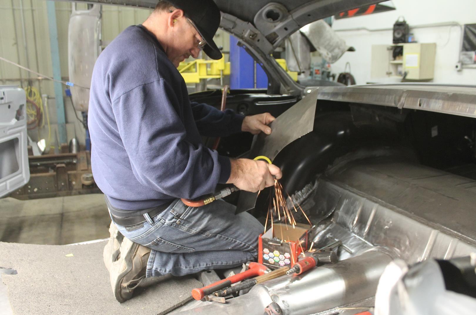 Metalworks Classics Auto Resoration Speed Shop Eugene Or